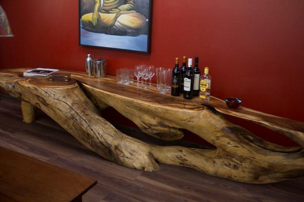 Massivholz Sideboard aus einer Suar Baumwurzel