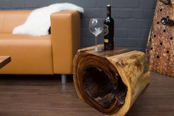 Massivholz Beistelltisch aus einer Suar Baumstamm Scheibe. Nr.16241